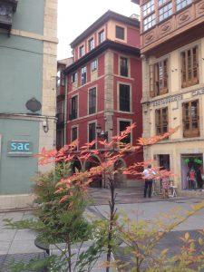 Inicio calles Ferrería, al fondo, y Las Alas a la derecha.